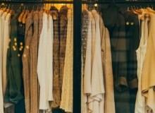 Projekt garderoby. Jakie wymiary powinna mieć szafa na ubrania?